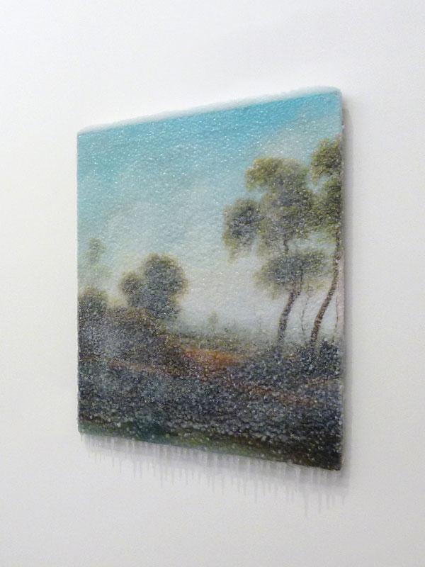 """2014 / """"Sous le ciel"""", tableau trouvé, neige artificielle, résine, matériaux divers, dimensions 60x80x10cm"""