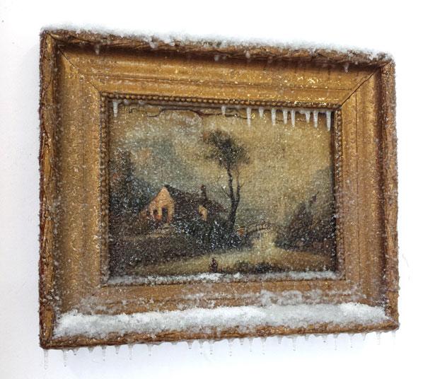 """2014 / """"L'arbre et la ferme"""", tableau trouvé, neige artificielle, résine, matériaux divers, dimensions 55x55x10cm"""